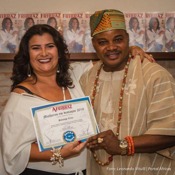 Revista internacional Afribraz premia mulheres em noite de congraçamento entre brasileiros e africanos